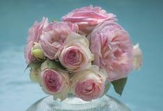 Blumenstrauß der empfindlichen rosafarbenen Rosen stockfoto