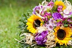 Blumenstrauß der Frühlingsblumen lizenzfreie stockfotos