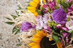 Blumenstrauß der Frühlingsblumen Stockfotografie