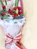 Blumenstrauß der Gartennelke für Mutter stockfotografie