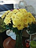 Blumenstrauß der gelben Rosen lizenzfreies stockbild