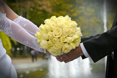Blumenstrauß der Hochzeitsblumen Lizenzfreie Stockfotos
