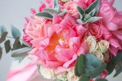 Blumenstrauß der Pfingstrosen Stockfotografie