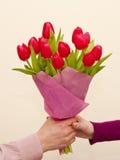 Blumenstrauß der rosafarbenen Tulpen Stockfotografie