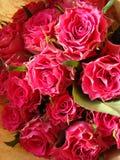 Blumenstrauß in der Verpackung Stockfotos