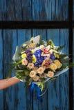 Blumenstrauß der verschiedenen Blumen Stockfotografie
