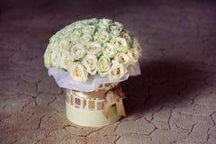 Blumenstrauß der weißen Rosen Lizenzfreies Stockbild