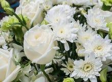 Blumenstrauß der weißen Rosen Lizenzfreie Stockfotografie