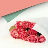 Blumenstrauß des Blumenhintergrundes der rosa Rosen ist Retro- selektive Weichzeichnung der Liebesweichheits-Weinlese Stockbilder