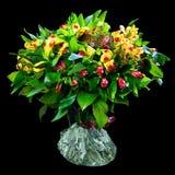 Blumenstrauß des roten und gelben Alstroemeria Stockfotografie