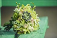 Blumenstrauß für die Braut ein schönes Design von verschiedenen Blumen Stockbilder