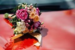 Blumenstrauß, Heiratsblumenstrauß, Blumen, Hochzeit, schöne, schöne Blumen, Liebesgeschichte, Hochzeit Stockbild