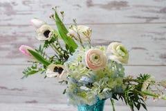 Blumenstrauß im Vase Glas Lizenzfreie Stockfotografie