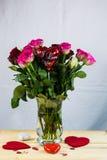 Blumenstrauß mit Herzen, ich liebe dich Stockbild