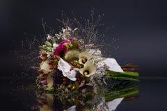 Blumenstrauß, mit Reflexion stockbild