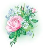Blumenstrauß mit schönen rosa Rosen und wilden Blumen Lizenzfreies Stockbild