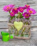 Blumenstrauß mit Zinnia Lizenzfreies Stockfoto