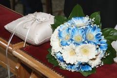 Blumenstrauß und Ringe Lizenzfreies Stockbild