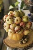 Blumenstrauß von Äpfeln lizenzfreie stockbilder