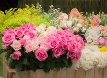Blumenstrauß von bunten Papierblumen Stockfoto