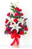 Blumenstrauß von canation und von Lilie stockfoto
