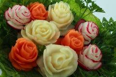 Blumenstrauß von der Kartoffel, von den Karotten und von den Rettichen Stockbild