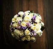 Blumenstrauß von feinen Blumen für Hochzeitszeremonie Lizenzfreie Stockfotos
