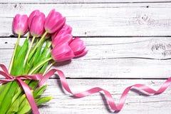 Blumenstrauß von Frühlingsrosatulpen Lizenzfreie Stockbilder