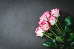 Blumenstrauß von rosa Rosen, Blumenkarte Lizenzfreies Stockbild