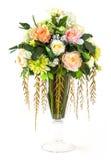 Blumenstrauß von Rosafarbenem und von Chrysantheme im Glasvase Stockbilder