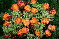 Blumenstrauß von Rosen in den Herbstfarben Lizenzfreie Stockbilder