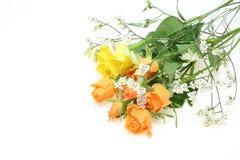 Blumenstrauß von Rosen und von babys Atem Stockfotos