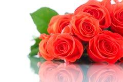 Blumenstrauß von schönen roten Rosen Stockfotografie