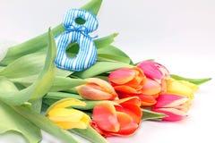 Blumenstrauß von Tulpen am Tag der internationalen Frauen Lizenzfreie Stockfotografie