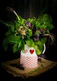 Blumenstrauß von wohlriechenden Kräutern Stockbild