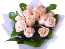 Blumenstraußrosenbeetfarben auf einem weißen Hintergrund Stockfotografie