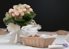 Blumenstrauß auf der Tabelle Lizenzfreie Stockbilder