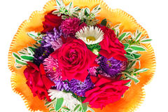 Blumenstrauß: Rosen, Astern, camomiles auf einem weißen Hintergrund Lizenzfreies Stockfoto