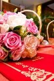 Blumenstrauß und Karte Lizenzfreies Stockfoto