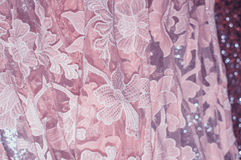 Blumenverzierungs-Rosa-Gewebe Stockbild