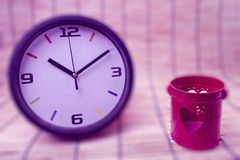 Blur concept:clock and red heart,Love and time concept for backg Royalty Free Stock Photos