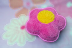 Blur : pink pillow with flower for backgroung texture. Royalty Free Stock Photography