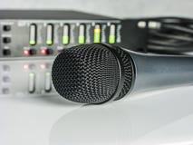 Blured DSP audio com Diods conduzido e microfone na parte dianteira Imagem de Stock