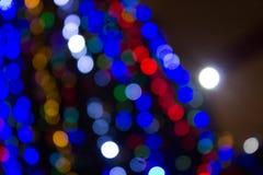 Blurred farbige Kreise auf einem hellen Feiertagshintergrund Lizenzfreies Stockfoto