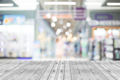 Blurred image of shopping mall and bokeh background Royalty Free Stock Images