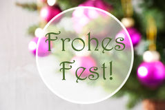 Blurry Balls, Rose Quartz, Frohes Fest Means Merry Christmas Royalty Free Stock Photos