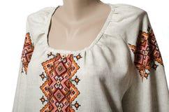 Blusa camisera de lino bordada fotografía de archivo libre de regalías