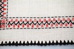 Blusa tradicional rumana - texturas y adornos tradicionales Imágenes de archivo libres de regalías