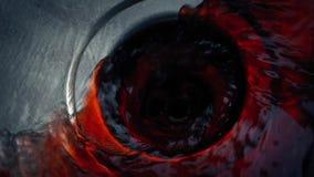 Blut, das in Wanne sich wäscht stock video