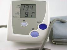 Blutdruck-Überwachungsgerät lizenzfreie stockfotografie